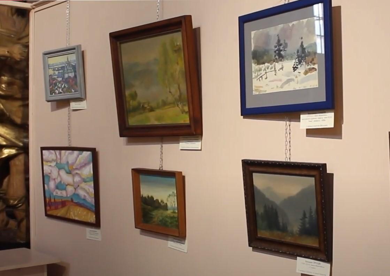 Понад сотня робіт 55-ти авторів – у Музеї мистецтв Прикарпаття відкрили виставку під назвою «Колекція»