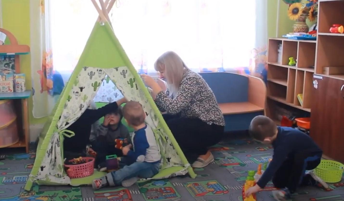 Інклюзія – важлива: мами дитини з синдромом Дауна розповіла про навчання у франківському садку. Відео